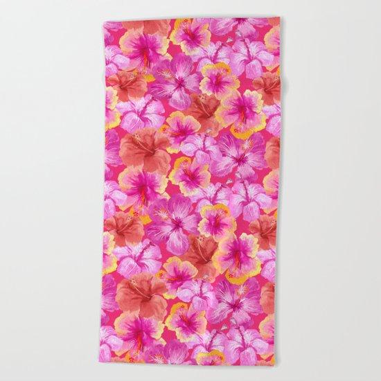 Tropical hibiscus flowers flower floral pattern on pink Beach Towel