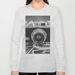 213 - Travel stories Long Sleeve T-shirt