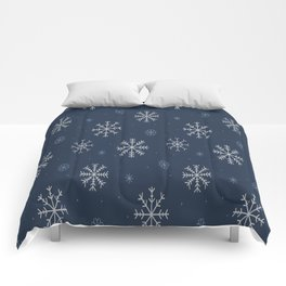 Artistic snowflakes pattern Comforters