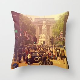 London Buckingham Road Throw Pillow