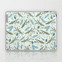 praying mantis in the garden Laptop & iPad Skin