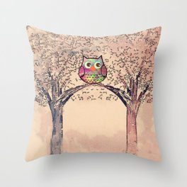 owl-245 Throw Pillow