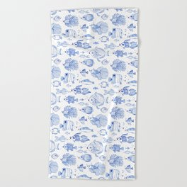 Fish Kiss Beach Towel