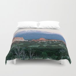 Sunrise at Garden of the Gods and Pikes Peak Duvet Cover