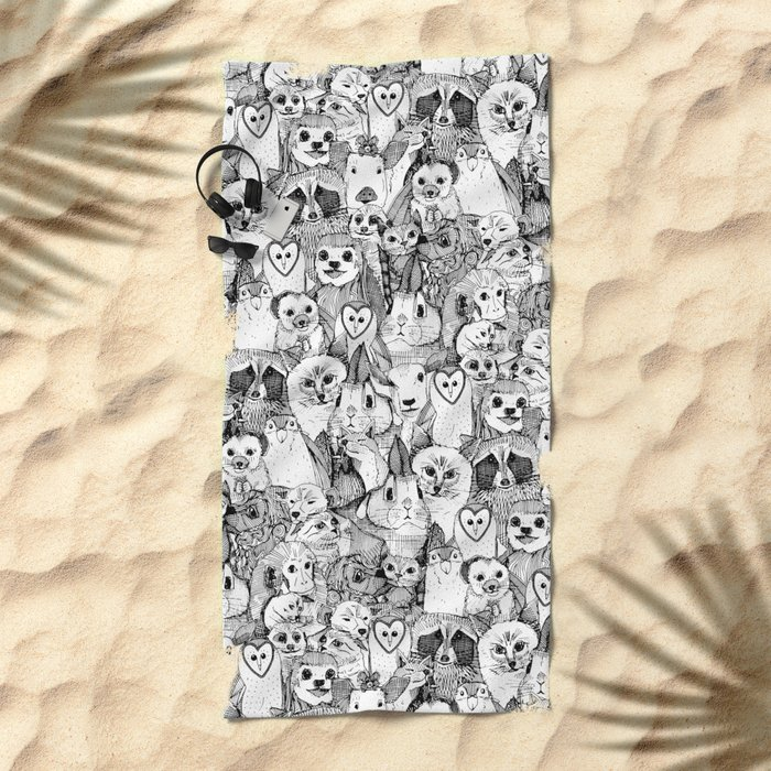 love and hugs Beach Towel