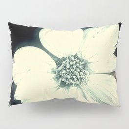 White Dahlia, Christmas Star Pillow Sham