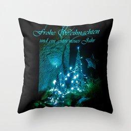 Frohe Weihnachten und ein gutes neues jahr Throw Pillow