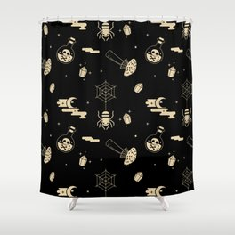 Halloween pattern in black bg Shower Curtain