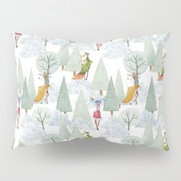Whimiscal Animals Decorate The Christmas Tree In Winter Forest Pillow Sham