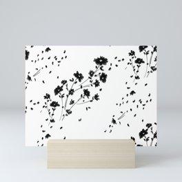 Large Daisy Design Mini Art Print