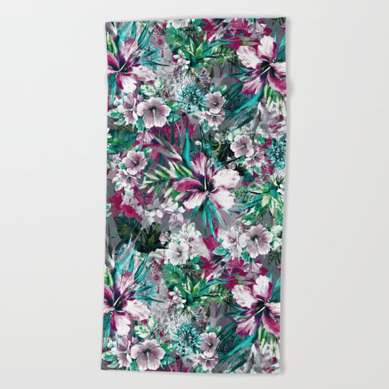Tropical Junge IV Beach Towel