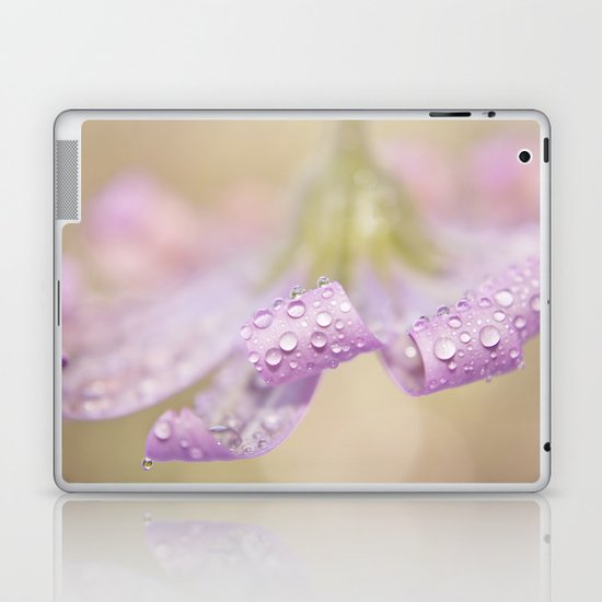 daisy curls Laptop & iPad Skin