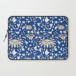 Chinoiserie Vines in White + Navy Blue Laptop Sleeve