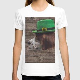 Irish Setter in Green Leprechaun Hat T-shirt