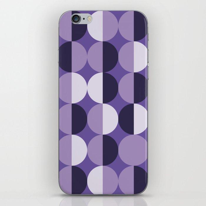 Retro circles grid purple iPhone Skin