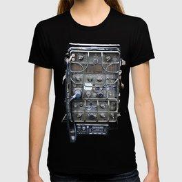 Vintage Military Radio  T-shirt