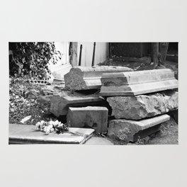 old graves Rug