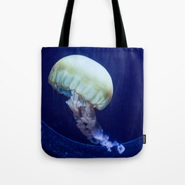 Jellyfish swimming Tote Bag