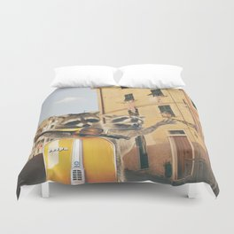 Raccoons on the road trip Duvet Cover
