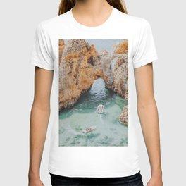 boat life iii / lagos, portugal T-shirt