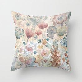 jardin 2 Throw Pillow