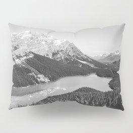 Landscape Photography Peyto Lake | Black and white Pillow Sham