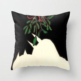 mistletoe kiss Throw Pillow