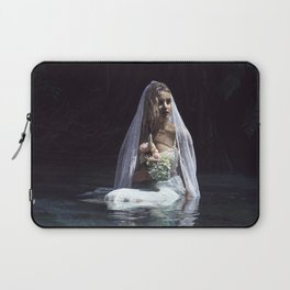 The unravelling of Ophelia Laptop Sleeve