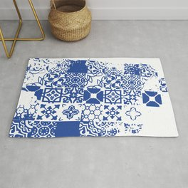 Classic Blue Tile Pattern Rug