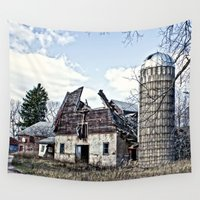 wisconsin Wall Tapestries featuring Wisconsin Old Barn 3 by Photography By MsJudi