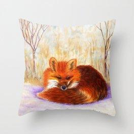 Red fox small nap | Renard roux petite sieste Throw Pillow