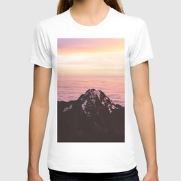 Mountain sunrise - A dreamy landscape T-shirt