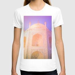 Morning Light Reflexion at Taj Mahal T-shirt