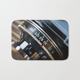 Retro photo camera lens Bath Mat
