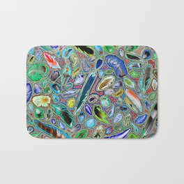 Feathers of birds of the world Bath Mat