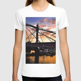Albert Bridge Sunset River Thames London T-shirt