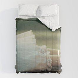 Alice's Escapades ~ Damsel in Distress Comforters