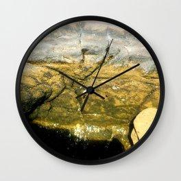 Olas en las rocas Wall Clock