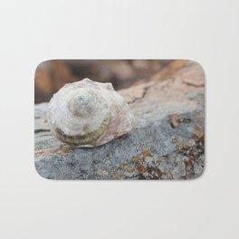 Rocky Shell Bath Mat