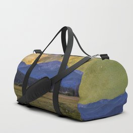 Milky way over Beyer peak Duffle Bag