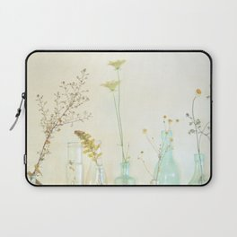 Do You Know Me? Laptop Sleeve