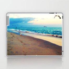 Lotsa More Gulls Laptop & iPad Skin