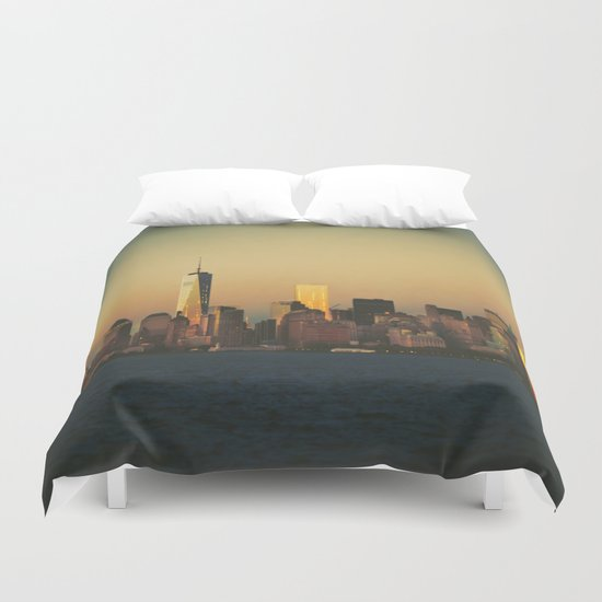 New York City Skyline - Dramatic Sunset Duvet Cover