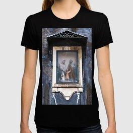 Sicilian Facade of CATANIA T-shirt