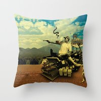 hunter s thompson Throw Pillows featuring Hunter S by mattdunne