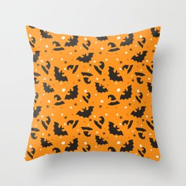 Happy halloween bats and witch hats pattern Throw Pillow