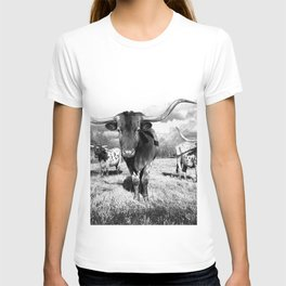 Longhorn Cattle Black and White Highland Cows  T-shirt