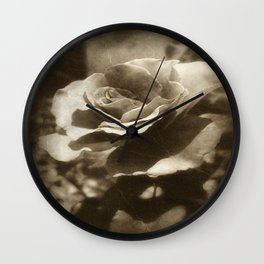 Rosas Moradas 4 Antiqued Wall Clock