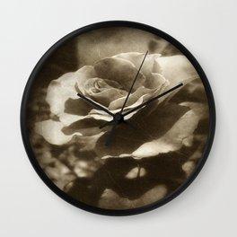 Rosas Moradas 4 Antiqued Wall Clock