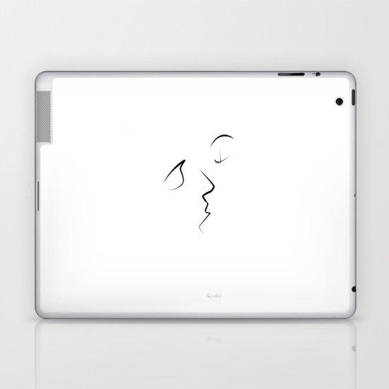 Kiss/beso/kuss/baiser/beijo/ Laptop & iPad Skin